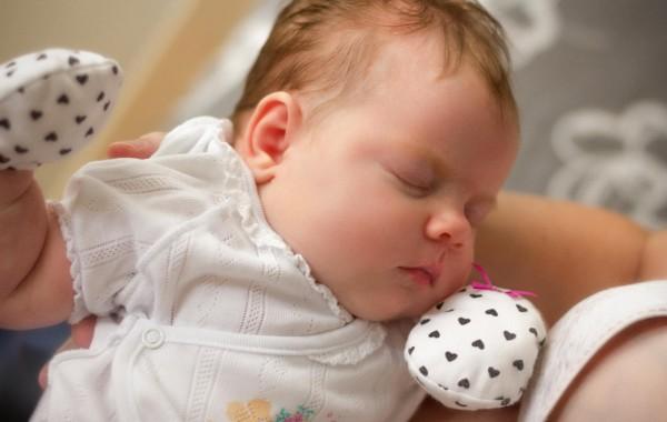Младенец часто просыпается по ночам