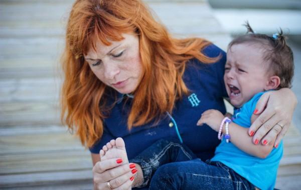 Мама лечит малыша