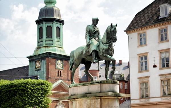 Фото Копенгаген Памятник королю Дании Кристиану X