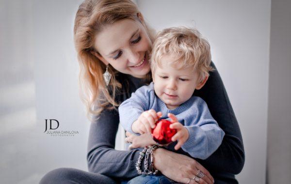 Прекрасная мама и прелестный малыш